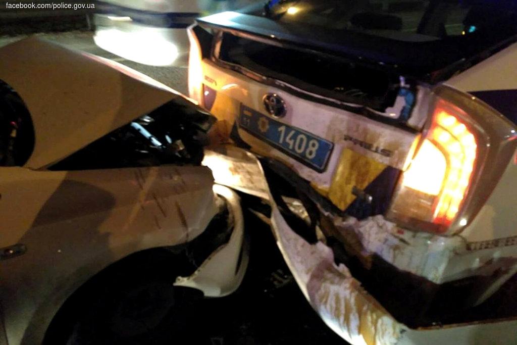У Києві водій-наркоман розгромив машину поліції