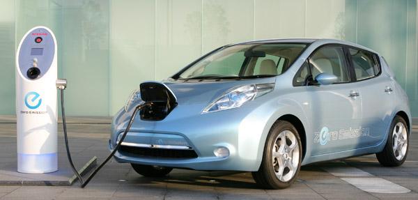 У Nissan LEAF великі проблеми з батареєю