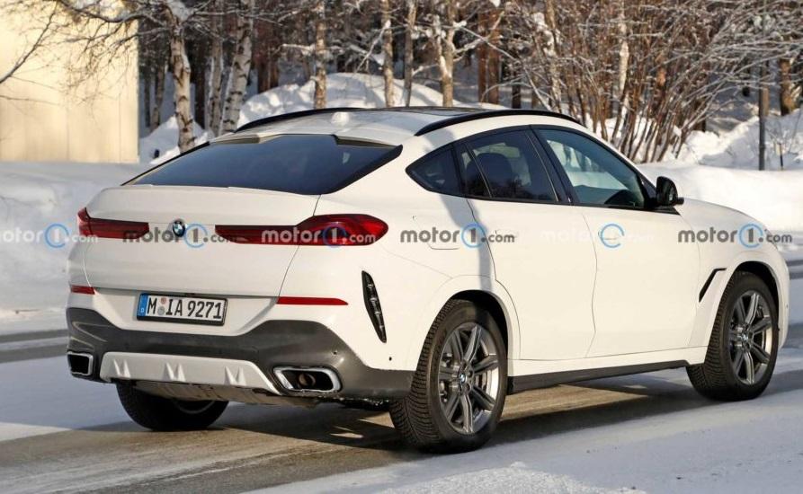 Новий BMW X6: перші фото салона