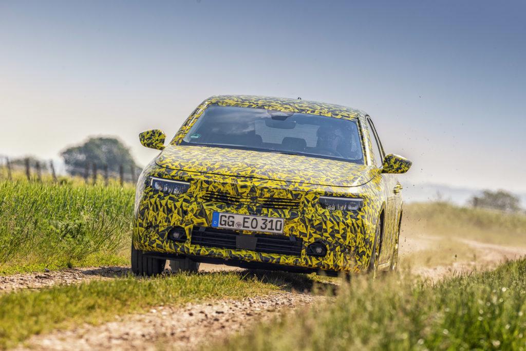 Новий Opel Astra 2021 року «засвітили» перед прем'єрою (ФОТО)