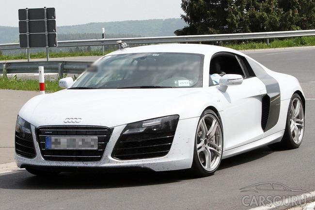 Audi R8 засікли без масування
