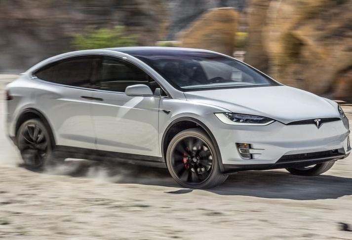 Tesla Model X 2017: представлений новий електрокар