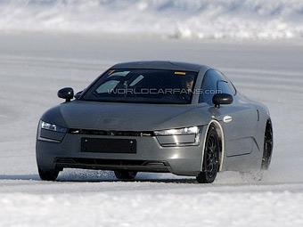 Мега-економний гібрид Volkswagen XL1 іде в серію