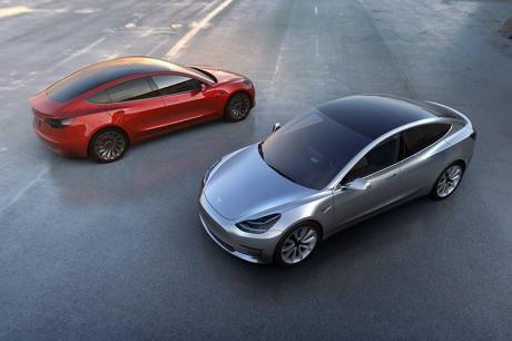 Стало доступним перше відео Tesla Model 3