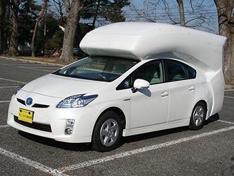 Toyota Prius перетворили на двоповерховий фургон для кемпінгу