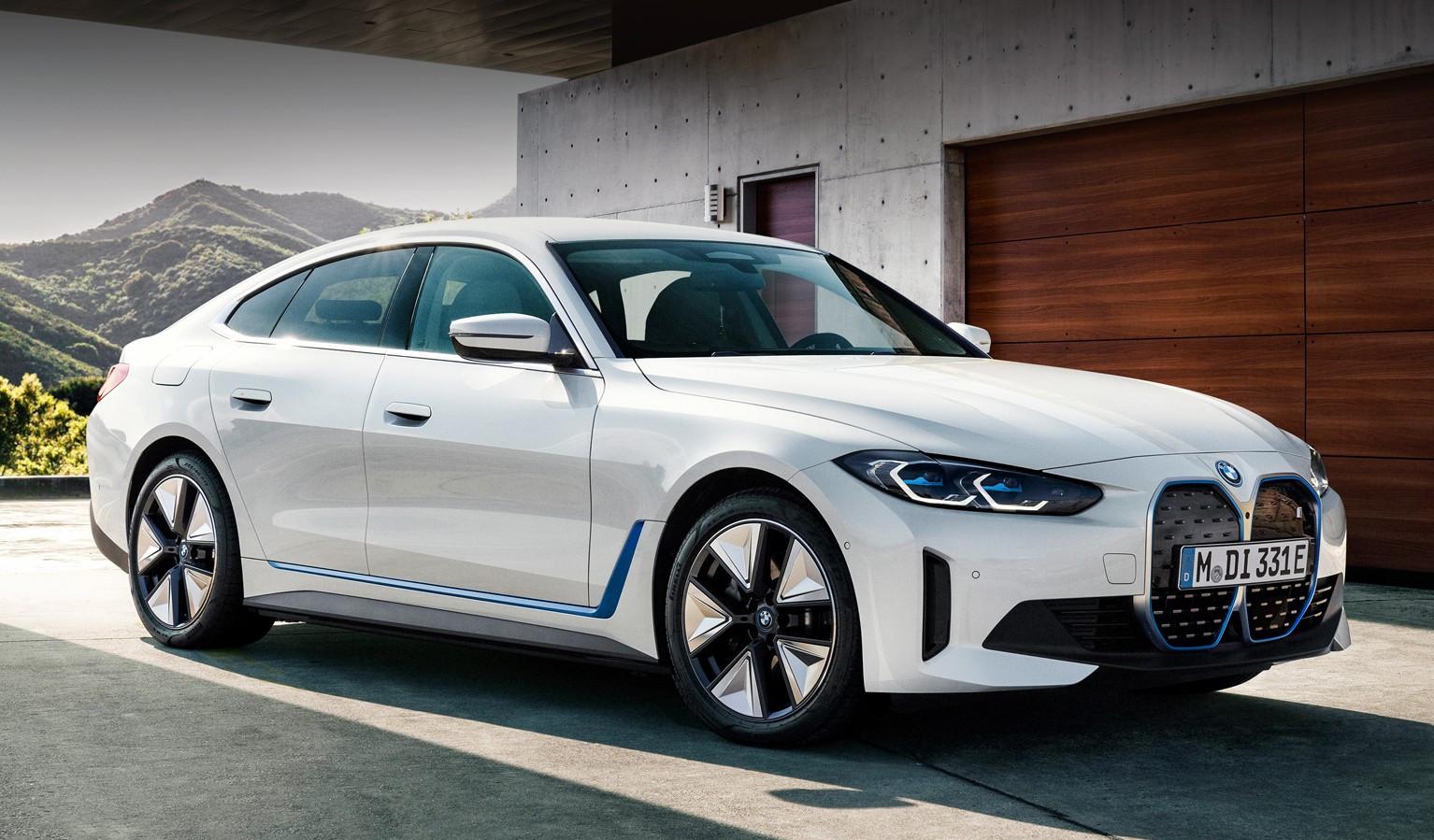 Електрокар BMW i4: характеристики і салон