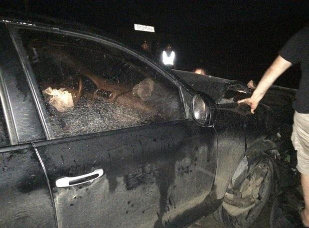 Автомобіль народного депутата розбився об бетонний блок
