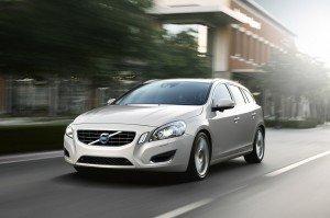 У компанії Volvo анонсували початок продажів нового гібрида V60