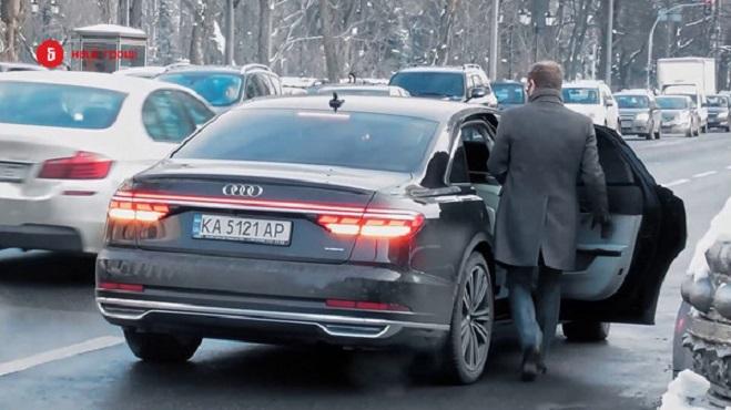 Автомобілі українських депутатів: хто на чому їздить?
