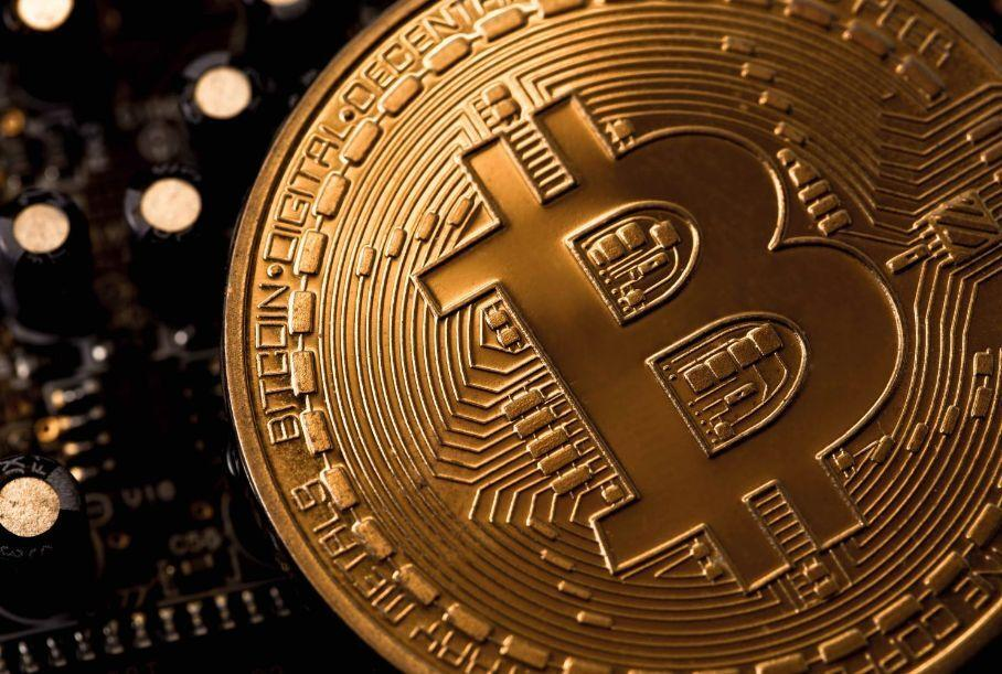 Tesla обвалила курс Bitcoin