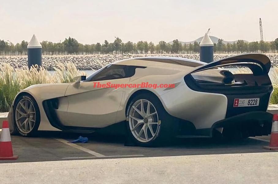 Невідомий Ferrari сфотографували в Абу-Дабі
