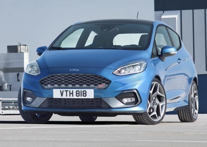 Ford Fiesta 2018: потужний двигун та новий дизайн