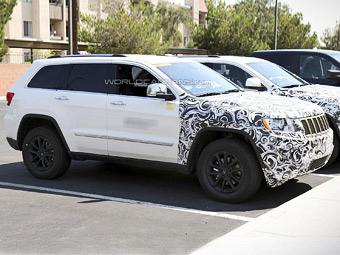 Jeep Grand Cherokee змінює інтер'єр