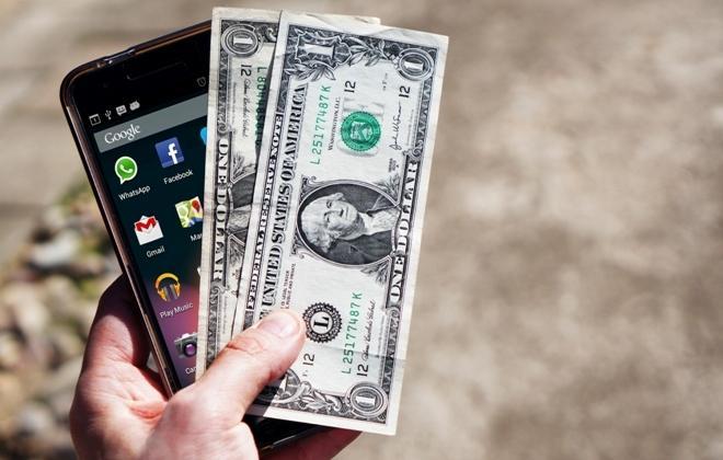 Гроші за порушення ПДР: водіям заплатять за фіксацію на смартфон