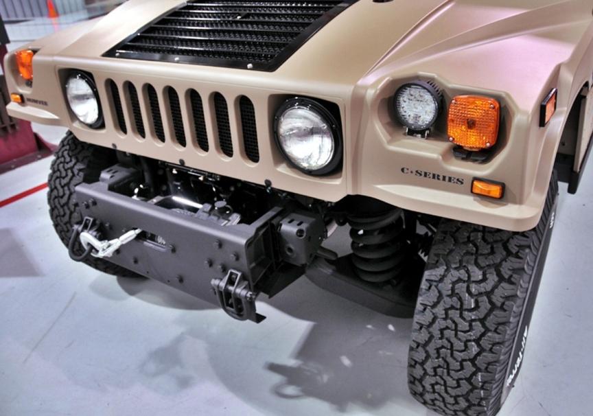 Hummer H1: повернення легендарного позашляховика