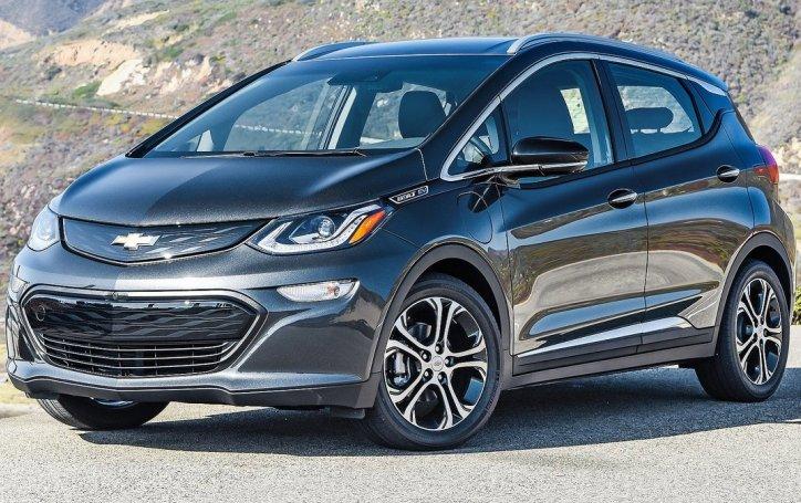 Chevrolet почала поставки електрокара Bolt EV