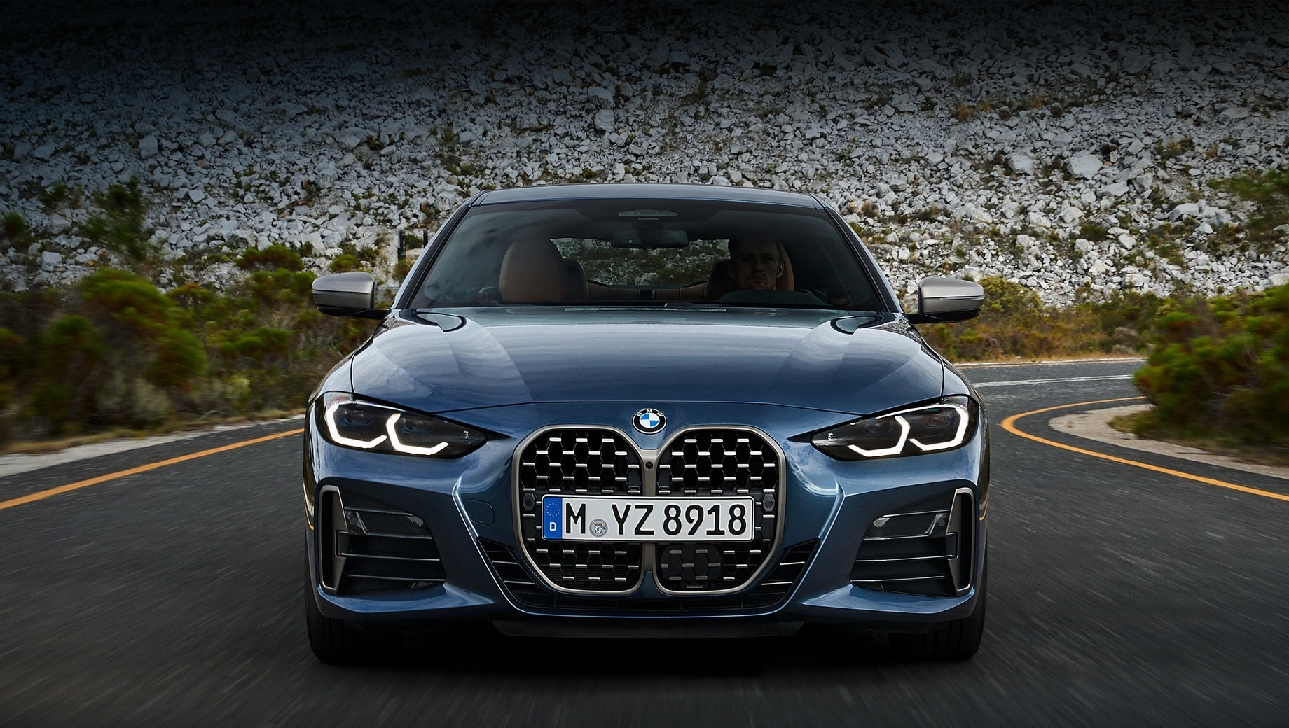 У Мережу потрапили зображення відкритої «четвірки» BMW