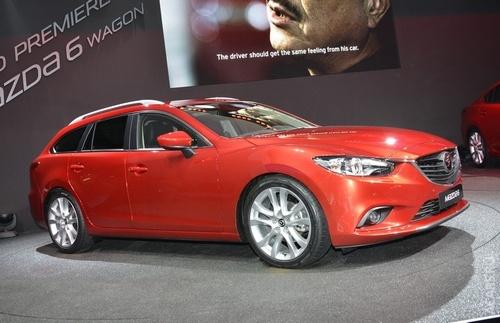 Mazda6 універсал показали публіці