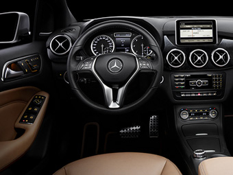 Перші зображення салону нового Mercedes-Benz B-Class