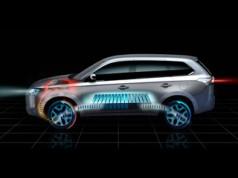 Mitsubishi привезе в Париж Outlander на електротязі