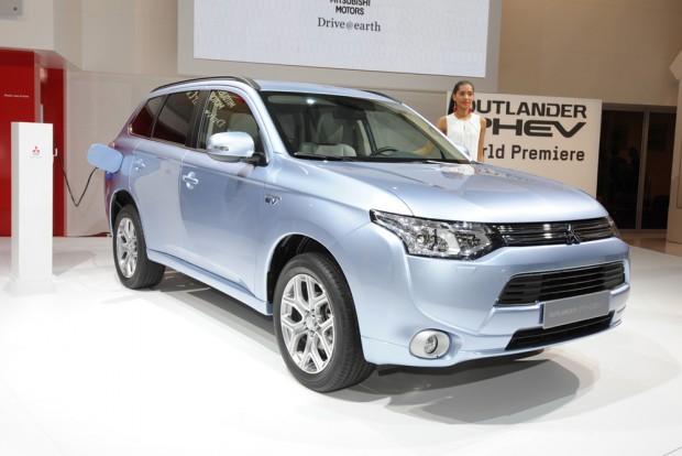 Mitsubishi Outlander PHEV вже в Європі
