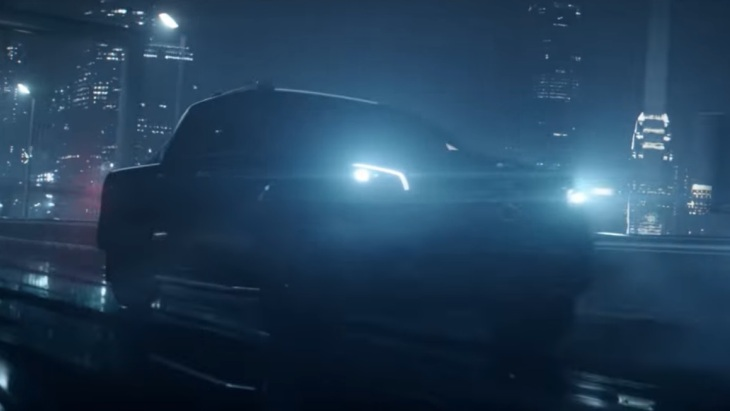 Mercedes-Benz вперше показав X-Class