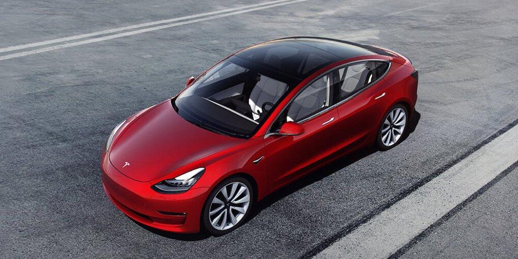 Ілон Маск розповів про нову модель Tesla з двома моторами