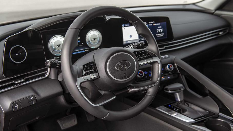 Нова Hyundai Elantra отримала