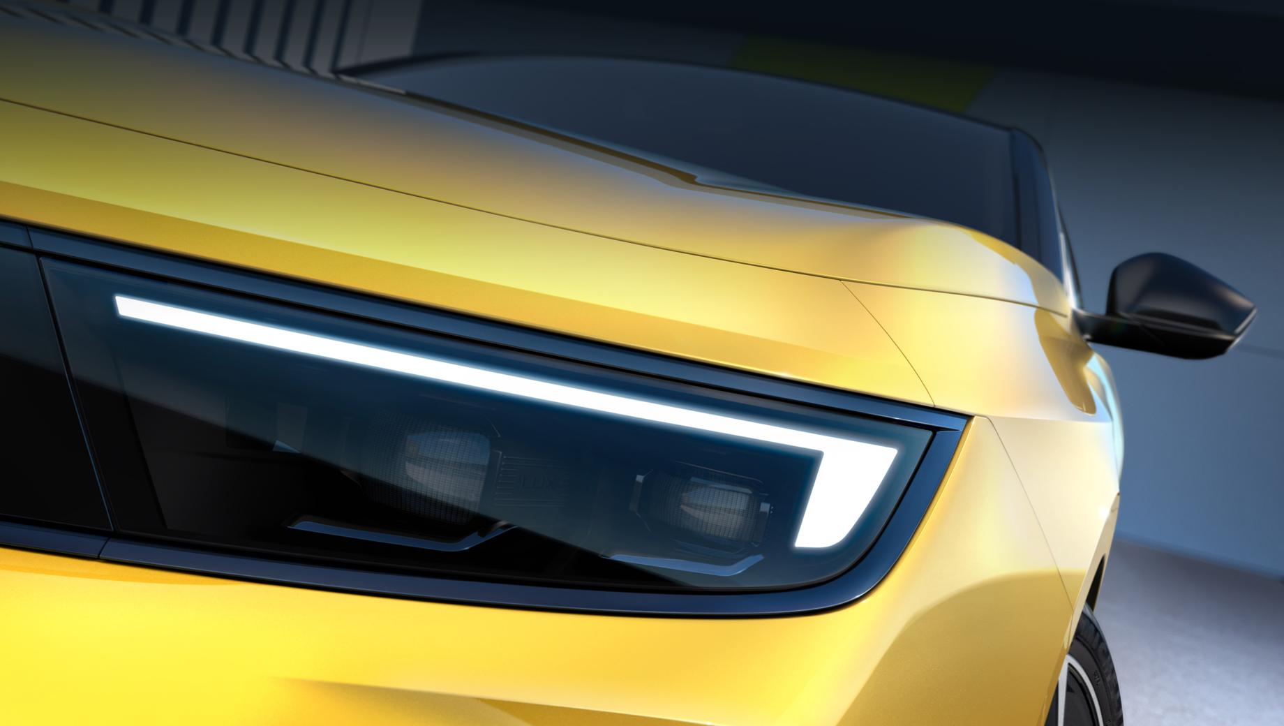 Нова Opel Astra 2022: перші фото салону та