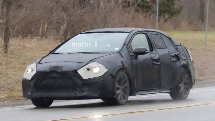 Нова Toyota Corolla вперше помічена на тестах