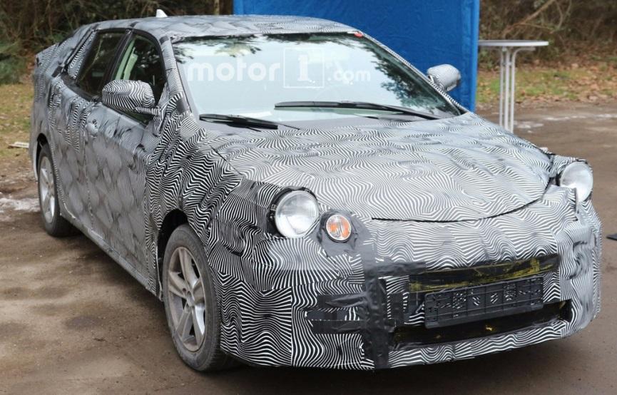 Toyota Avensis 2018: перша інформація та зображення новинки