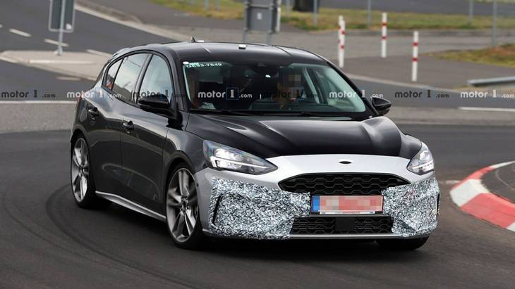 Новий заряджений Ford Focus ST засікли на тестах