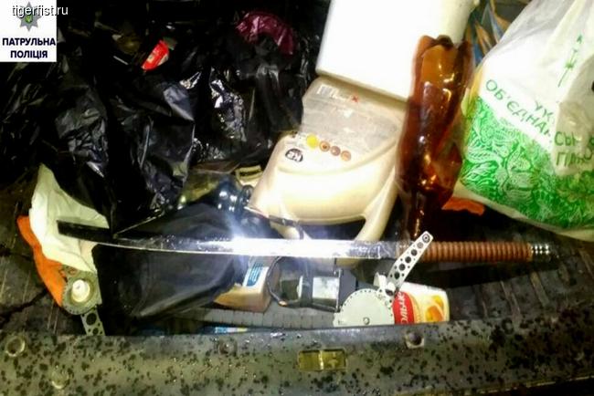 Поліція затримала машину з п'яним самураєм