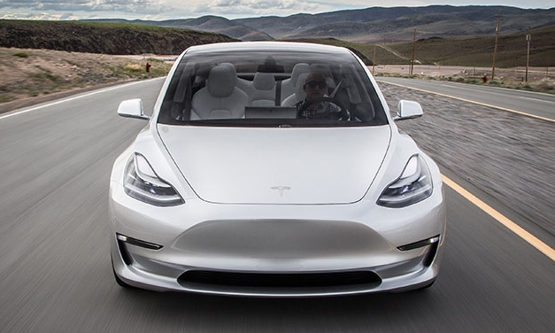 Відома нова інформація про Tesla Model 3