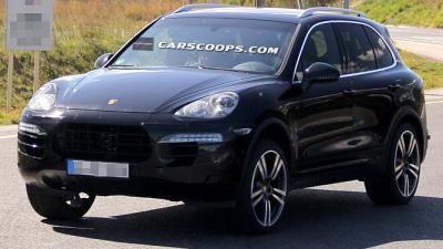 Оновлений Porsche Cayenne вперше попався на очі фотошпигунів