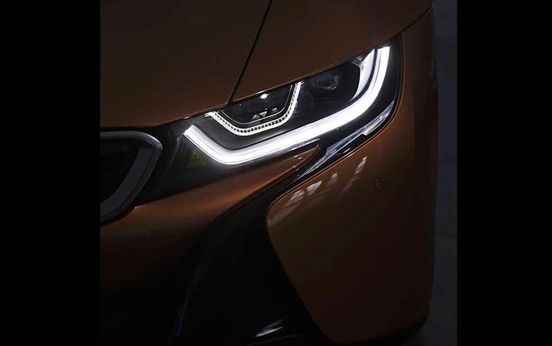 BMW i8: перше зображення новинки