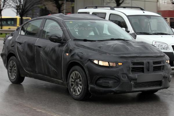 Седан Fiat Linea 2016 вперше помічений на тестах