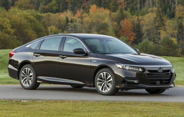 Седан Honda Accord Hybrid 2019 виходить на ринок