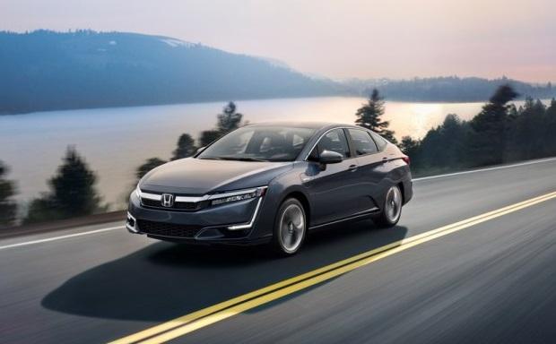 Озвучені ціни гібридного седана Honda Clarity