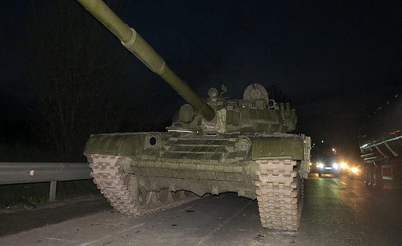 У Києві в ДТП потрапив бойовий танк