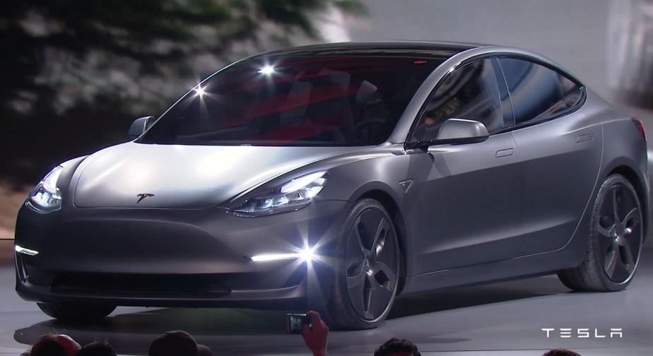 Tesla Model 3: опубліковано нову інформацію про електромобіль