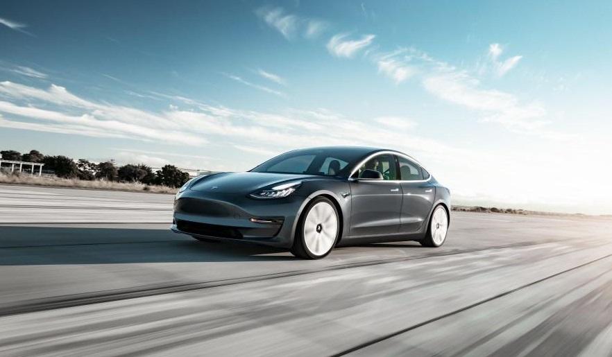 Електрокари Tesla Model 3 і Model S несподівано подорожчали
