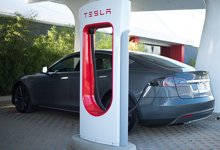 Tesla іде в Україну