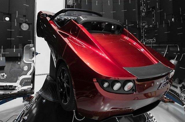 Автомобіль Tesla полетить у космос