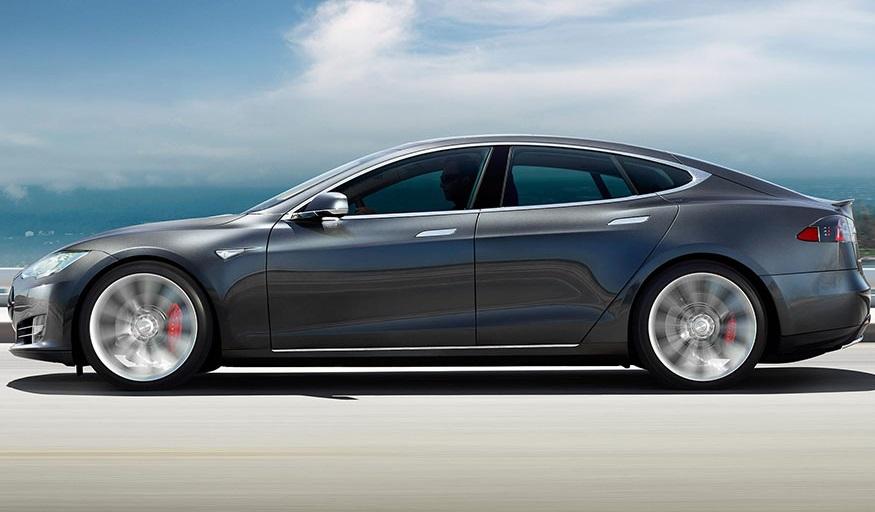 Tesla скорочує модельний ряд електромобілів