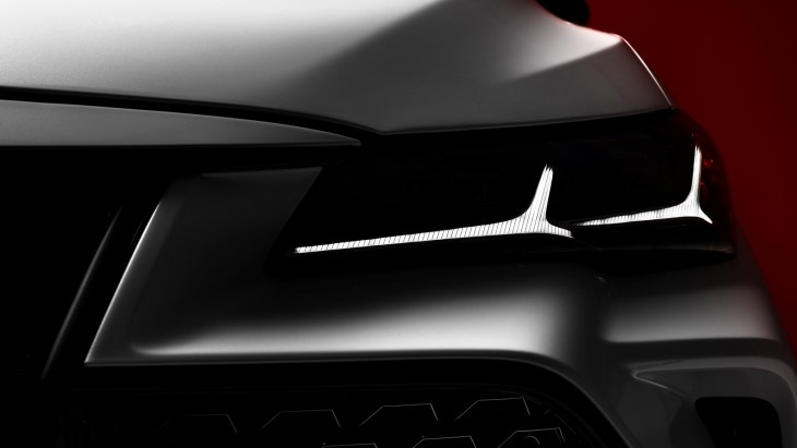Toyota анонсувала прем'єру седана Avalon 2019 року