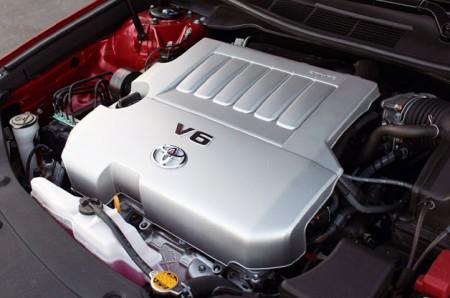 Toyota збільшує виробництво двигунів V6 в США