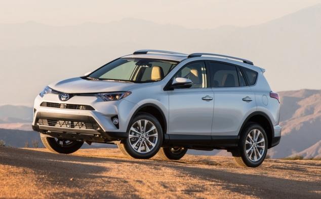 Toyota RAV4 2017: виробник знижує ціни на кросовер