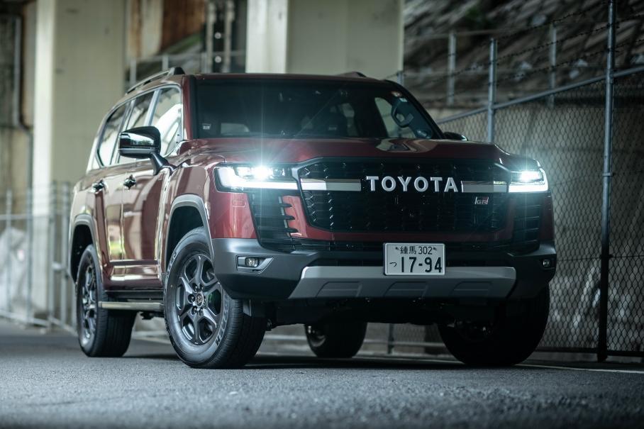 Toyota зупиняє випуск Land Cruiser 300