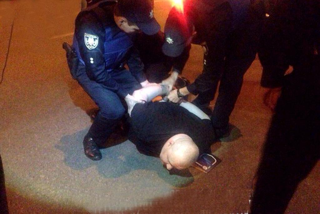 У Києві п'яного працівника ДАІ на BMW X5 ловили два екіпажі поліції